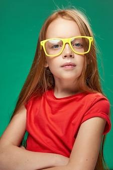 Retrato de uma menina ruiva