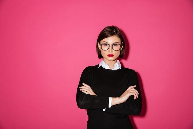 Retrato de uma mulher de negócios atraente confiante