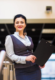 Retrato de uma mulher de negócios em um bom dia de trabalho