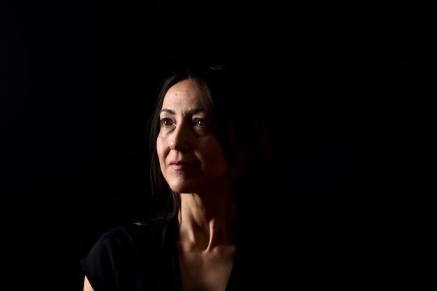 Retrato de uma mulher em preto