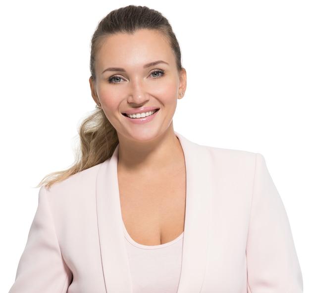 Retrato de uma mulher feliz e sorridente sorridente sobre branco