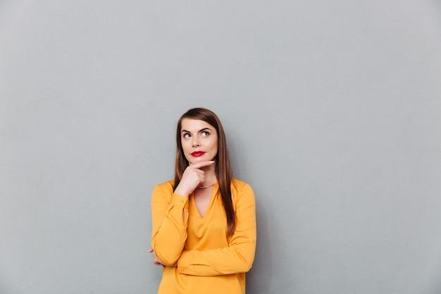 Retrato de uma mulher pensativa