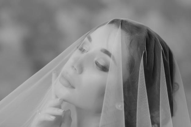 Retrato de uma noiva modelo sensual