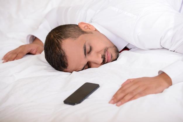 Retrato do empresário cansado.