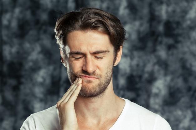 Retrato do homem triste e cansado