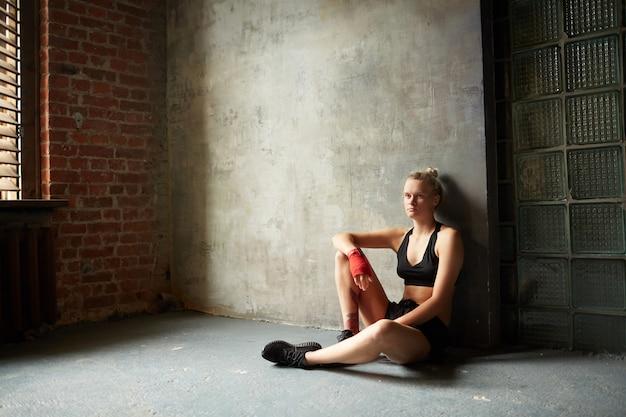 Retrato dramático do lutador feminino