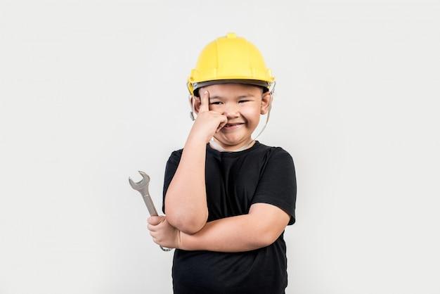 Retrato, feliz, menino, desgastar, engenheiro, chapéu