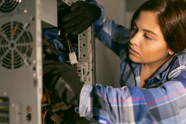 Retrato feminino trabalhando