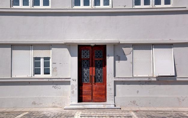 Retrato grego da vida cotidiana em salónica no verão