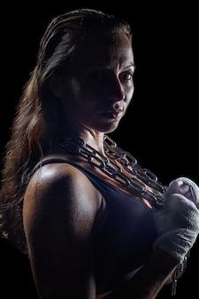 Retrato lateral da cadeia feminina de lutador