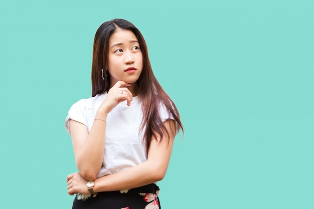 Retrato linda linda jovem asiática
