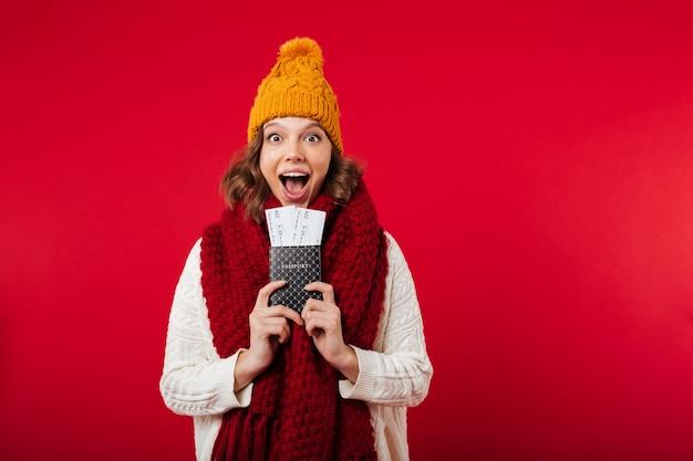 Retrato, menina, vestido, inverno, chapéu, echarpe