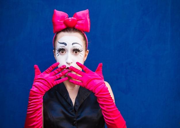 Retrato mímico feminino