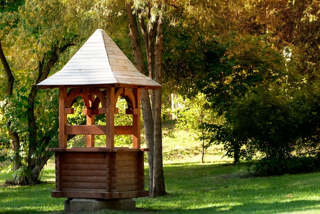 Retrô de madeira bem no parque