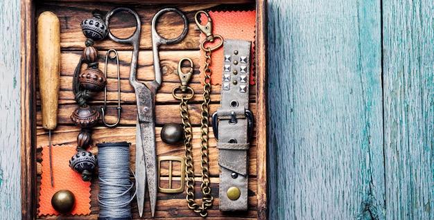 Retro jóias e ferramentas retro