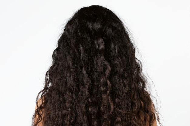 Retrovisor de cabelo preto cacheado natural