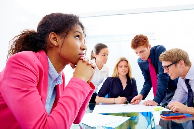 Reunião chata gesto de empresária africana
