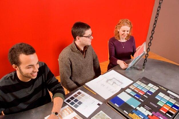Reunião criativa de sala de diretoria