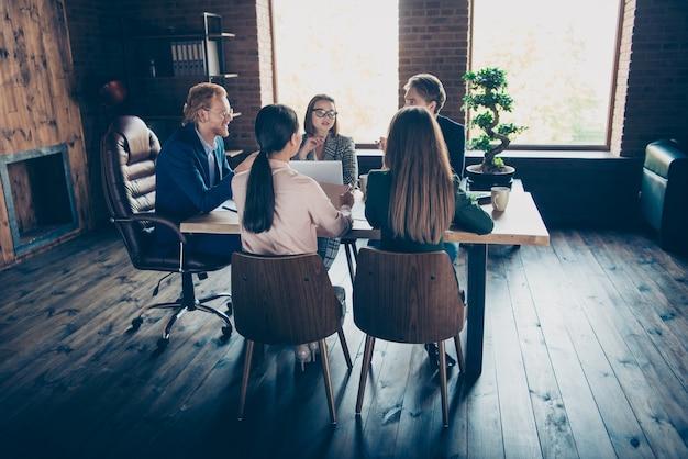 Reunião de equipe no escritório