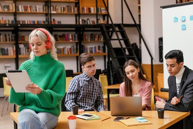 Reunião de equipe para startups