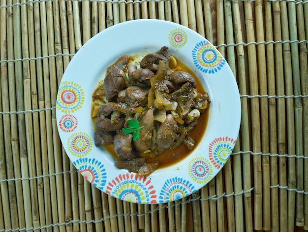 Rim de carneiro assado. prato uighur cozinha da ásia central