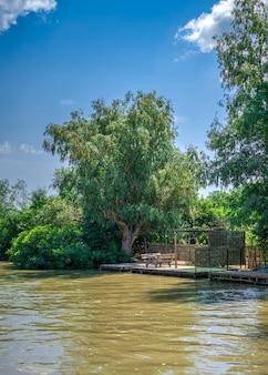 Rio danúbio, perto da vila de vilkovo, ucrânia