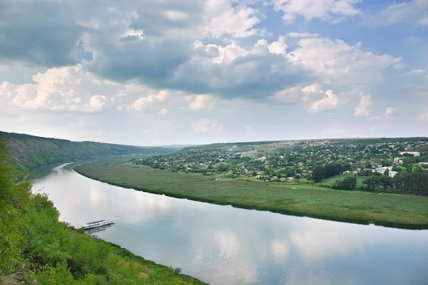 Rio dniester, moldávia