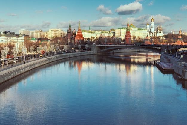 Rio moskva e kremlin vista da ponte