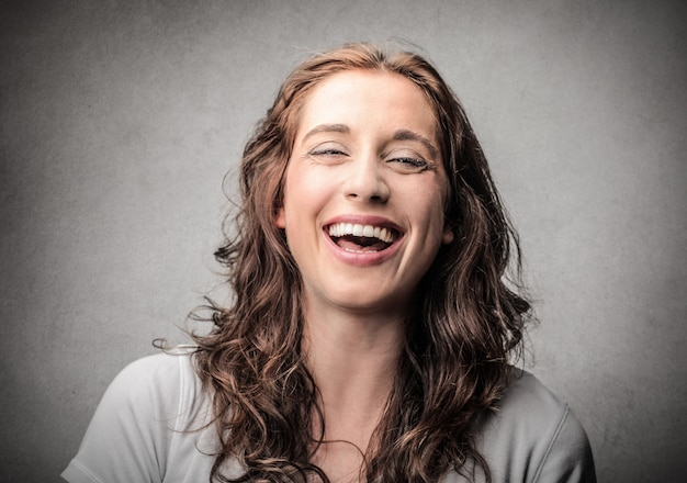 Rir mulher feliz