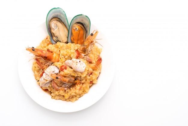 Risoto com frutos do mar e tomate