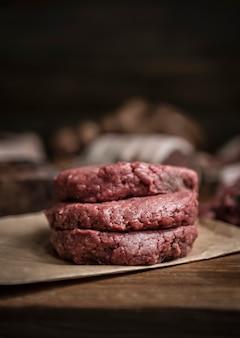Rissóis de carne comida fotografia receita idéia