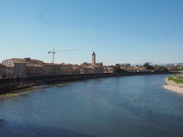 River adige em verona Foto Premium