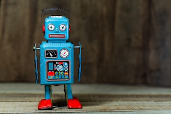 Robô de brinquedo de lata vintage