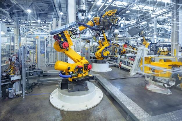 Robôs em uma fábrica de automóveis