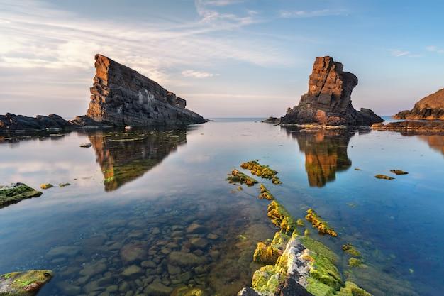 Rochas do mar, formação rochosa