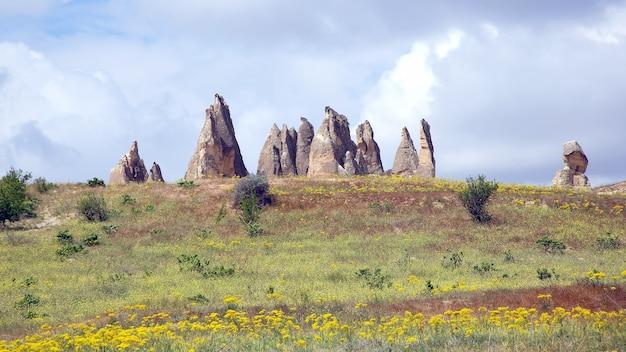 Rochas vulcânicas no vale da capadócia, turquia