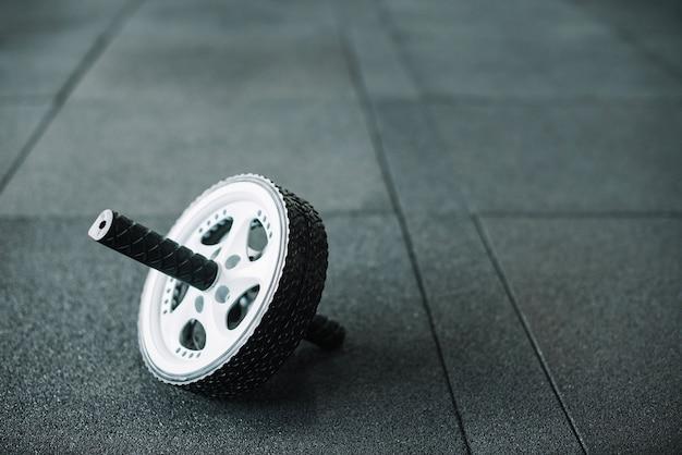 Roda ab no chão