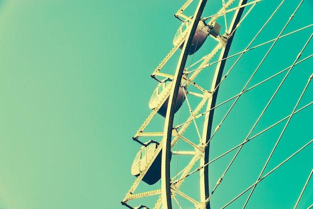 Roda gigante vintage no parque