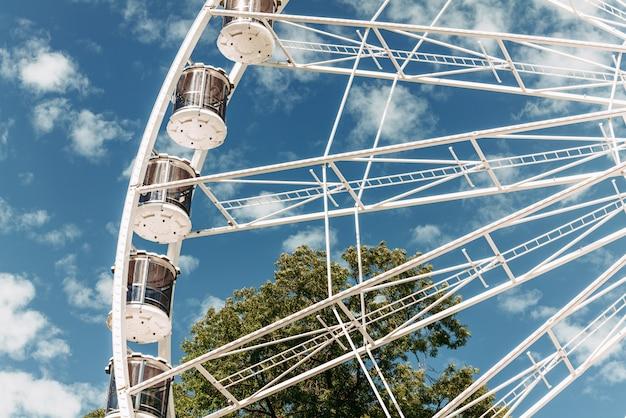 Roda panorâmica instalada no parque de limpertsberg