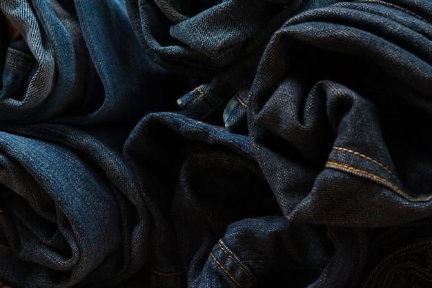 Roll jeans desfiado ou coleção de jeans azul