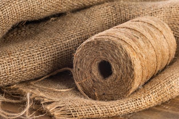 Rolo de close-up de corda de cânhamo de saco