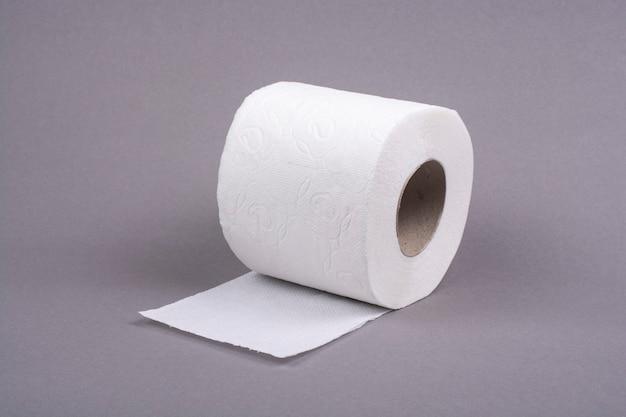 Rolo de papel higiênico em cinza