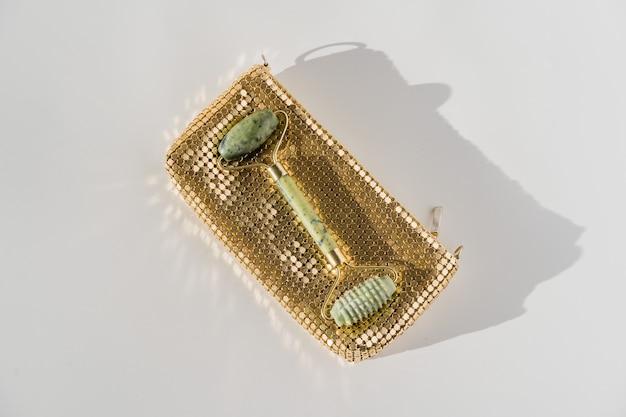 Rolo de quartzo facial para massagem facial anti-envelhecimento, ferramenta de beleza guasha chinesa.