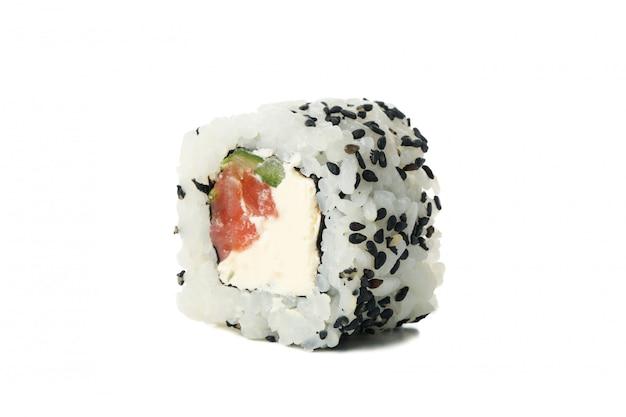 Rolo de sushi delicioso isolado na superfície branca