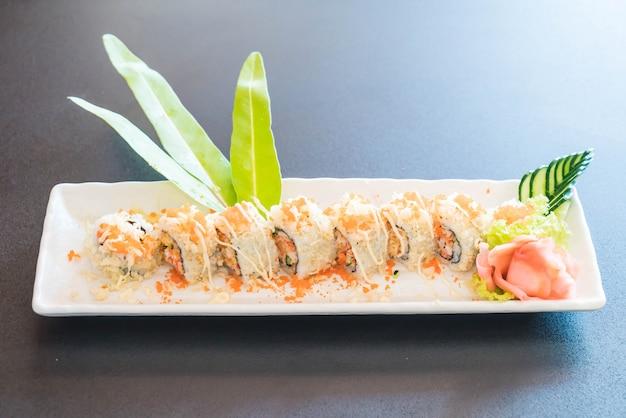 Rolo de sushi maki tempura