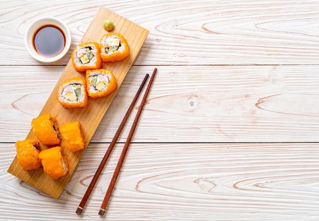 Rolo de sushi maki