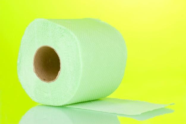 Rolo verde de papel higiênico