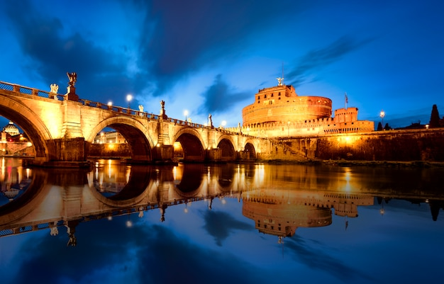 Roma à noite itália