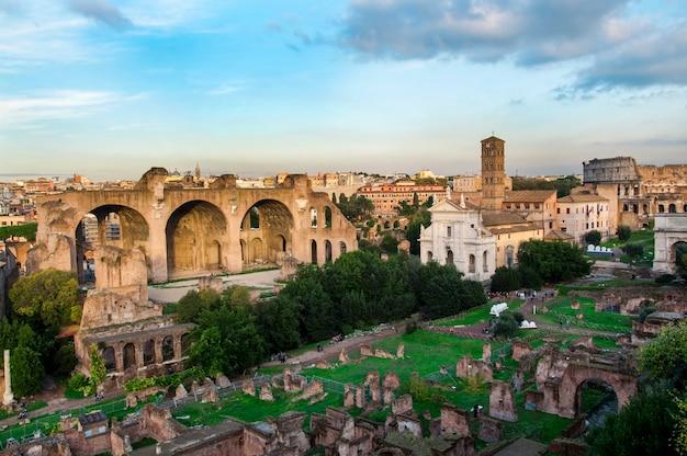 Roma city italy ruínas romanas arquitetura de marco