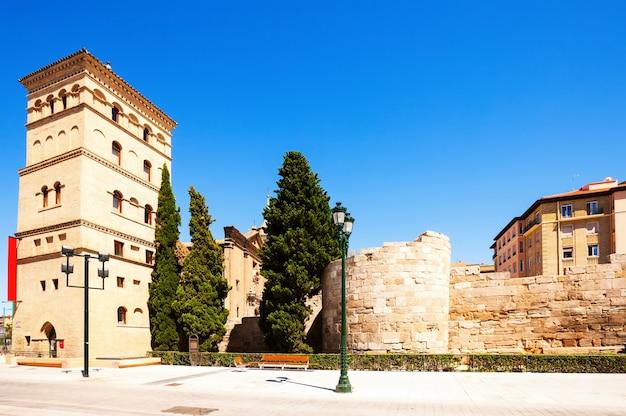 Roman wall s e zuda tower